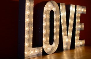 Sam Parkhouse - Vintage lighting and signs